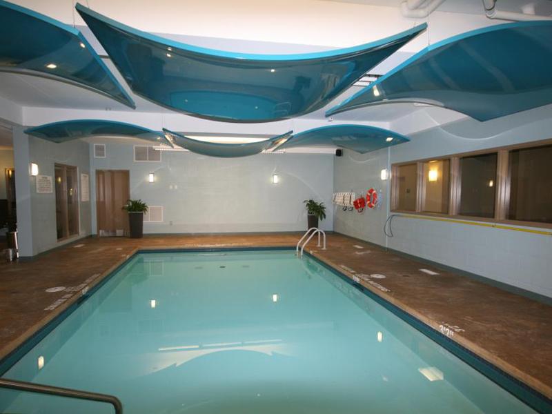 Натяжные потолки в бассейне в Астрахани - РСС Элит
