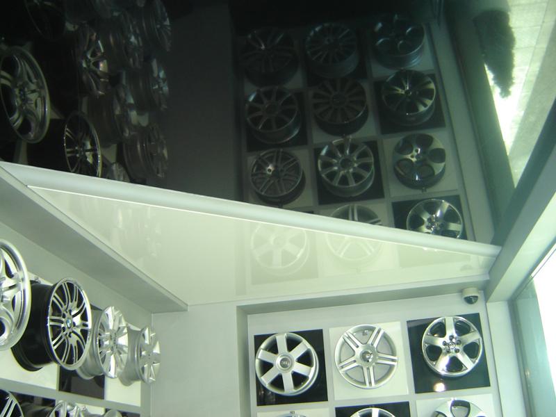 Натяжные потолки в торговом зале в Астрахани - РСС Элит